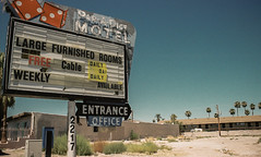 """*the """"other"""" fremont street experience: par-a-dice motel*"""