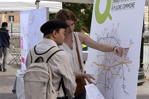 Présentation de la carte du futur réseau de transport en commun aux habitants