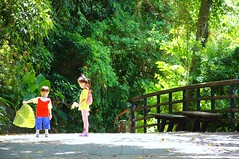 DSC03002 (小賴賴的相簿) Tags: family baby kids zeiss children happy day sony taiwan childrens taipei 台灣 台北 親子 暑假 木柵 景美 孩子 1680 兒童 文山 a55 anlong77 小賴家 小賴賴的家 小賴賴
