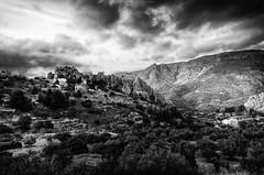 El valle de Guadalest - Guadalest's valley (jmpastorg) Tags: vividstriking byn blancoynegro blackandwhite bw guadalest alicante españa spain 2017 febrero nikon d5100 1750 paisaje landscape