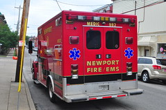Newport Fire Department EMS Medic 982 (Triborough) Tags: kentucky ky ambulance firetruck international newport fireengine medic ems aev nfd campbellcounty newportfiredepartment medic982