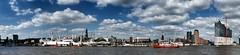 Landungsbrücken und Elbphilharmonie