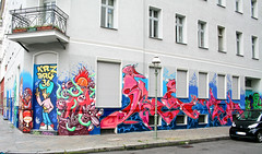 Wrangekiez... (AgeAge) Tags: blue red berlin face wall project kreuzberg shoe graffiti eyes colours painted heads styles colourful grab 36 wallpainting aa spraycan caropepe 2014 crackhead bluebackground characterdesign charakter streetstyle berlinkreuzberg steelisreal tentakel stylewriting ageage wrangelstrase wrangekiez krzbbrg