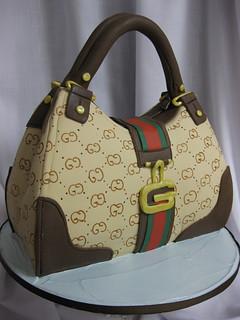 Gucci Purse Cake med