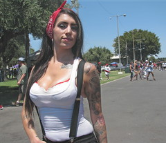 carshow babe 1 (protto511) Tags: girl woodland pretty babe streetlow