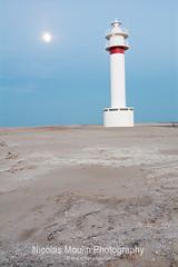 Faro del Fangar (Nicolas Moulin (Nimou)) Tags: espaa lighthouse faro ciudad maritime provincia signal turismo phare vacaciones tarragona tourisme turism maritimo deltaebro fangar