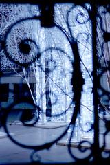 Paris, anachonisme (Calinore) Tags: christmas street city light paris france night illumination rue nuit ville idf spirale capitalcity ferforge hccity decorationdenoel