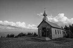Chapelle du Mont St-Joseph (Sous l'Oeil de Sylvie) Tags: summer church pentax august qubec t chapelle aot estrie 2014 sigma1020mm k50 petiteglise montstjoseph sousloeildesylvie parcdemgantic