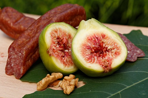 Snack with ripe figs