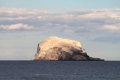 Lighthouse on the Rock (svickruck) Tags: ocean sea lighthouse rock scotland northberwick 1100d tamronadaptall280210mmf384 canoneosrebelt3