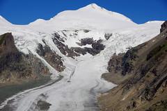 Snow mantle (Pasterze Glacier, Austria) (armxesde) Tags: schnee snow mountains alps ice austria österreich nationalpark pentax kärnten glacier berge alpen gletscher ricoh k3 ruby3 pasterze johannisberg pasterzengletscher nationalparkhohetauern kaiserfranzjosefhöhe