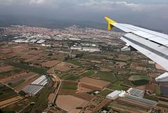 Delta del Llobregat desde el aire (vic_206) Tags: plane flight catalonia fromabove fields catalunya avin campos vuelo aerea gava viladecans canon24105f4lis deltadelllobregat canoneos60d
