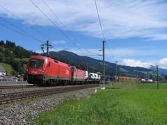 1116 057-9 en een 1144 bij Brixen im Thale op 16-8-2010 (Date J. de Vries) Tags: train tirol oostenrijk br im eisenbahn railway zug locomotive loc taurus osterreich railways trein brixen spoorwegen lokomotive lok freighttrain gterzug obb 1144 thale locomotief kitzbhel wrgl 1116 baureihe 0579 goederentrein giselabahn 11160579