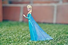 Elsa (Piggy Forever) Tags: frozen figuras elsa pvc bullyland pvcfigures