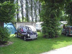 mot-2005-berny-riviere-018-campers-area-sunday-am_800x600