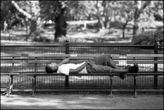 CI0A3225 B&W (Damien DEROUENE) Tags: street nyc people newyork bench sleep centralpark damienderouene