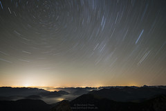 Star trails over the bavarian alps (Bernhard_Thum) Ta