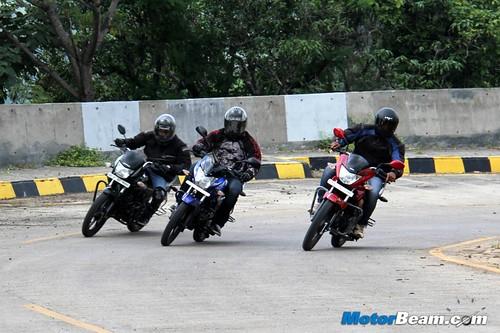 Honda-Shine-vs-Discover-125M-vs-Hero-Glamour-18
