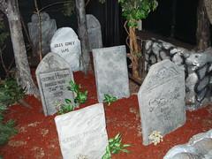 DSC01141 (Jonathan C. Aguirre) Tags: halloween werewolf death ghosts salem witches vampires sexyvampires deathgraves