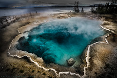 The Black Pool @ West Thumb Geyser Basin (Cajun Snapper) Tags: nature bravo boardwalk thermalpool geothermal blackpool canonef1740mmf4lusm bluepool thermalfeature coolblue yellowstonelake westthumbgeyserbasin bwcircularpolarizer canoneos5dmarkiii