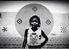 8M dia de la mujer trabajadora y luchadora #MujerBonitaEsLaQueLucha #8m #angelgallardo #subte #metro foto analógica (NAZZA STENCIL /////*) Tags: mujerbonitaeslaquelucha 8m angelgallardo subte metro
