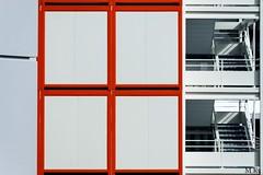 Paris_0317-243-2 (Mich.Ka) Tags: paris abstract abstrait bungalow bungalowdechantier cabanedechantier chantier escalier geometric geometrique grafic graphique ladefense minimalism minimalisme stairs town urbain urban ville îledefrance
