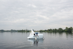 (Peter de Krom) Tags: boy water girl boat sailing over tipped hillegersberg schiebroek dekrachtvanrotterdam