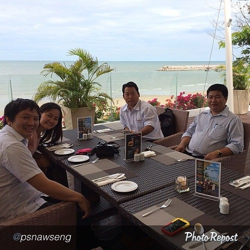 "by @psnawseng ""Kachin Life Stories workshop lunch @Cha-Am, Hua Hin. #kachin #kachinlifestories #klsworkshop"" via @PhotoRepost_app"