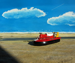 Diecast Collector Magazine August 2014 Issue 202 With A Look At Top Die- Cast Hovercraft Vintage Models Article By Eric Bryan: Dinky Toys SRN6 Hovercraft No. 290 1971 Diorama - 3 Of 9 (Kelvin64) Ta