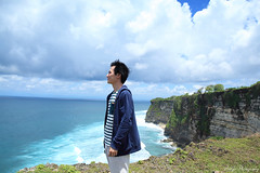 Such a beautiful day (ojang jerry) Tags: sky bali cliff cloud rock indonesia eos day tide wave sunny destination uluwatu casual careless 5d2 ef24mml