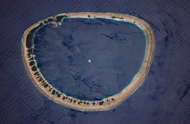 Archive: Nukuoro Atoll, Micronesia (Archive: NASA, International Space Station, 05/31/06)