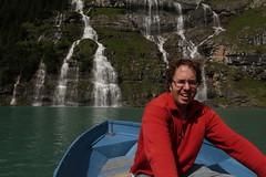 Ich unterwegs mit dem Ruderboot auf dem Oeschinensee ( Bergsee - See - Lac - Lake ) oberhalb von Kandersteg im Berner Oberland im Kanton Bern in der Schweiz (chrchr_75) Tags: chriguhurnibluemailch christoph hurni schweiz suisse switzerland svizzera suissa swiss kantonbern chrchr chrchr75 chrigu chriguhurni 1407 juli 2014 hurni140731 albumjustme oeschinensee see lac lake lago kandersteg berner oberland berneroberland hurnichristoph christophhurni ich me albumoeschinensee alpensee bergsee albumbergseenimkantonbern sø järvi 湖 bergseeli seeli albumwasserfälleimkantonbern albumwasserfällewaterfallsderschweiz wasserfall водопад 瀑布 vandfald waterfall cascade 滝 cascada waterval wodospad vattenfall vodopád slap juli2014