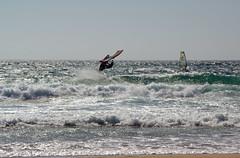 Lissabon - Lisboa (O!i aus F) Tags: portugal strand meer wasser mare lisboa osm lissabon sonne k5 wellen atlantik brandung surfen