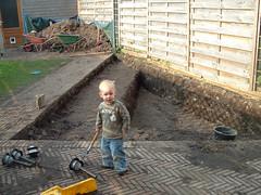 Vijver0002 (henkterveld) Tags: 2005 april vijver bouw rozemarijntuin lisztlaan boeraas