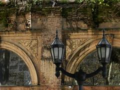 Capici (arq_amei) Tags: argentina ventana buenosaires reflejo farol antiguo arcos belgrano