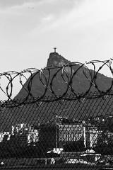 Cristo Redentor (Ricardo Bess) Tags: fence wire christ cerca cristo barbed redeemer redentor arame farpado