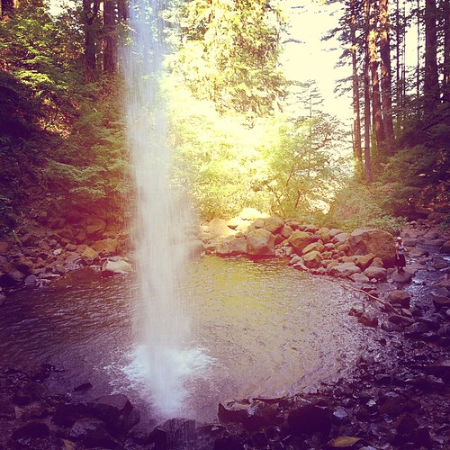 And here's Ponytail Falls from behind it.