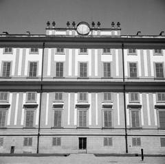 Villa Reale, Monza 1#9 (magioca65) Tags: italy 6x6 film italia voigtlander 400 bakelite 1939 400iso monza skopar f35 brillant villareale rpx bachelite ruleof16