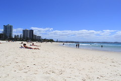 Coolangatta Beach (thestreetcat) Tags: coolangatta coolangattabeach goldcoast australia sunset beach seasandsky thestreetcatgoestoau holiday thelanddownunder ozandbeyond snappersrock kirrabeach kirrahilllookout duranbahbeach rainbowbay pointdanger tweedheads travel2017 whenincoolangatta wheningoldcoast