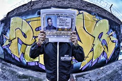 Papeles por favor! (Photo_Skills) Tags: eye fish urban graffiti odb ol dirty bastard bogota bosa vinyl
