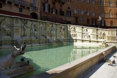Siena, Piazza del Campo, Fonte Gaia (HEN-Magonza) Tags: italien italy fountain italia brunnen tuscany siena toscana toskana piazzadelcampo fontegaia