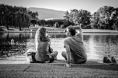 Love (Murciano Photographie) Tags: street cute love couple noir fuji noiretblanc duo lac amour fujifilm et blanc divonne