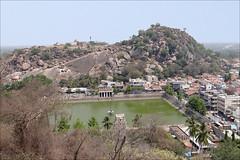 Sravanabelgola, lieu de dévotion de la religion jaïne (Inde) (dalbera) Tags: india religion karnataka inde sravanabelgola chandragiri dalbera jaïnisme cultejaïn