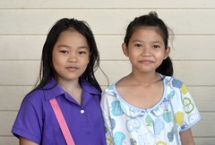 pretty sisters (the foreign photographer - ) Tags: girls sisters portraits thailand pretty bangkok preteen khlong bangkhen thanon jun292014nikon
