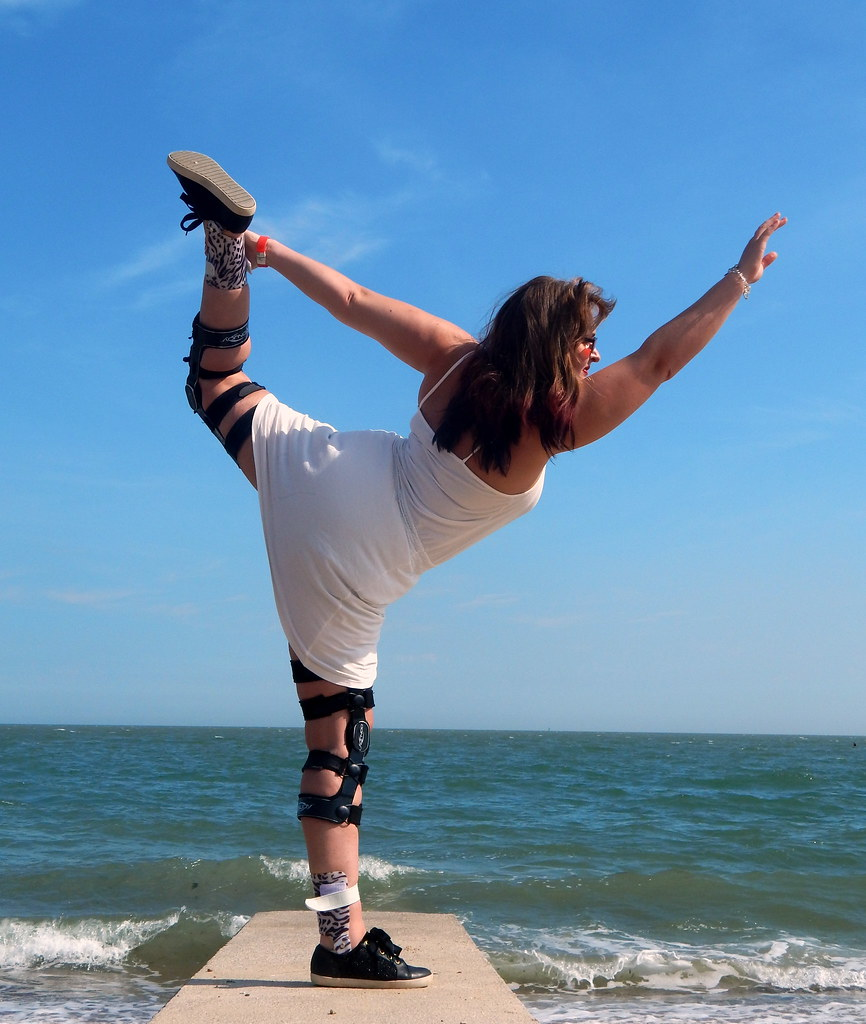 The world 39 s newest photos of hypermobility flickr hive mind for Haute 8 yoga manhattan beach