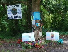 US 301 - Ocala FL (us301Retro) Tags: monument memorial ocala capilla highway301 roadsideshrine roadsidecrosses roadsidecross danielhunt us301 rt301 ocalafl hwy301 danielleehunt