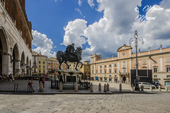PIACENZA - Piazza dei Cavalli (9-7-2014 ore 16:00) (massimo mazzoni 78) Tags: square nuvole piazza cavalli piacenza clous gotique tred palazzogotico monumentiequestri eqbo