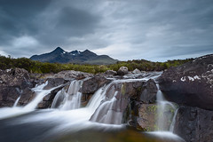 Black Cuillin (Simone Angelucci) Tags: water scotland hills waterfalls cascata scozia sligachan blackcuillin