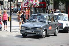 Metrocab LT02 OSW (kenjonbro) Tags: uk 2002 england london westminster silver grey taxi trafalgarsquare sunny charingcross themall sw1 hackneycarriage metrocab worldcars londonblackcab kenjonbro canoneos5dmkiii lt02osw kencorner canonzoomlensef9030014556