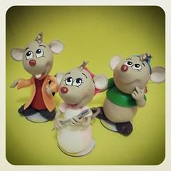 Enfeites de mesa Cinderela Ratinhos (Doces Idéias Biscuit Re Vanzan) Tags: de frozen biscuit neve enfeites mesa cinderela ratinhos chaveiros flocos